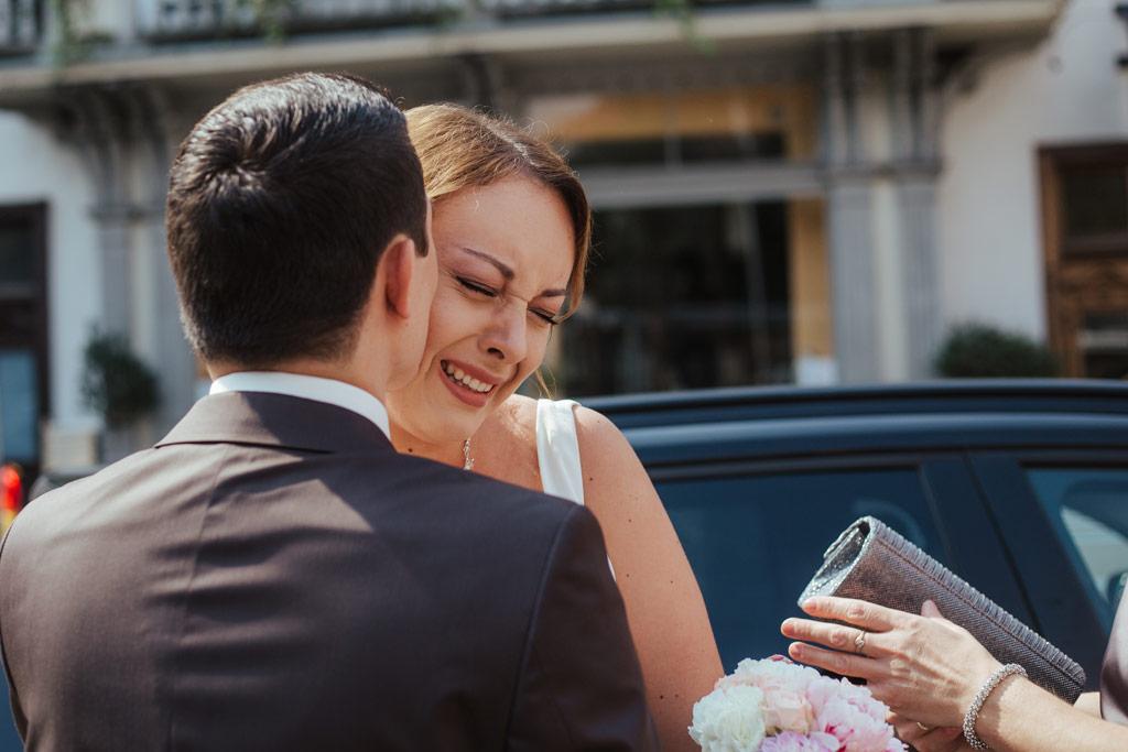 Hochzeitsbilder Leipzig - Braut und Bräutigam sehen sich zum ersten Mal