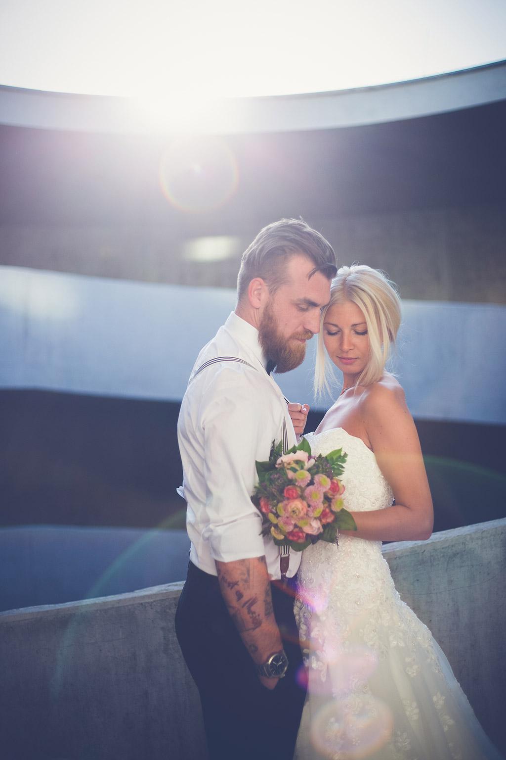 Hochzeitsfotos Ideen - Braut, Bräutigam und Brautstrauß