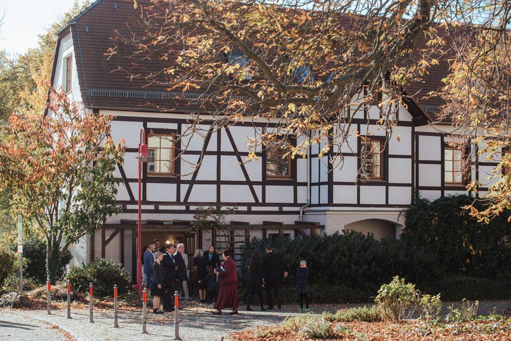 Das Standesamt in Großpösna | Hochzeitsfotos Leipzig | Ireen Lampe - Hochzeitsfotograf Leipzig | www.ireen-lampe.de