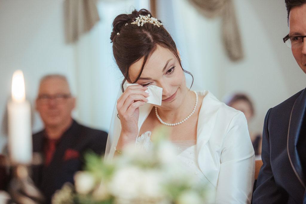 Freudentränen bei der standesamtlichen Hochzeit | Hochzeitsfotos Leipzig | Ireen Lampe - Hochzeitsfotograf Leipzig | www.ireen-lampe.de